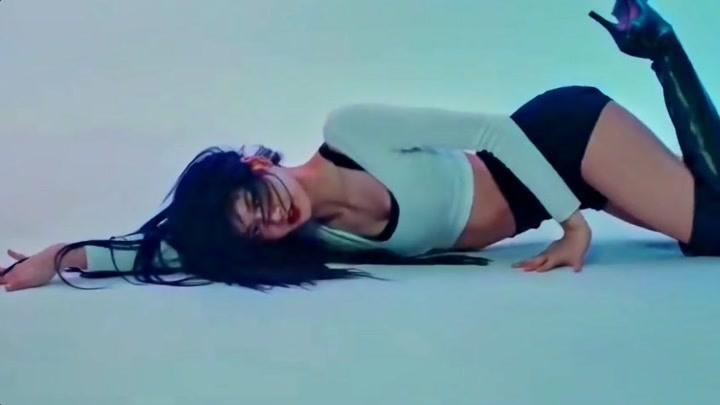 康康 LISA 的舞蹈,救命啊,太撩了吧