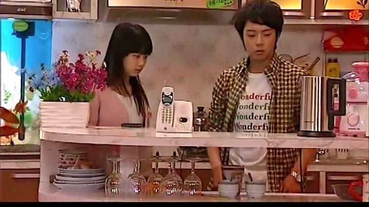 影視:李大宇為了和美女多聊會,竟把盤子藏起來,不料被弟弟破壞
