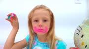 儿童DIY,小萝莉正在学习给女孩子们化妆,